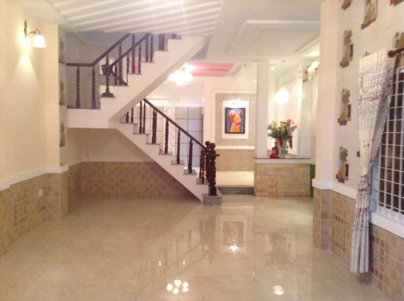 Bán nhà Quận Bình Thạnh, Đường Nguyễn Văn Đậu Dt 5.5x15 chỉ 3.2 tỷ.