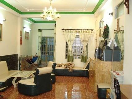Bán nhà đẹp hxh đường Nguyễn Khuyến, P12, Bình Thạnh, Dt 4.7x17, 1 trệt, 2 lầu.