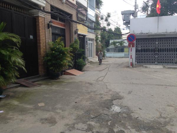Bán nhà cấp 4 tiện xây mới hẻm xe hơi 7 chỗ quay đầu đường Phan Chu Trinh, P24, Bình Thạnh, Dt 4.05x18.