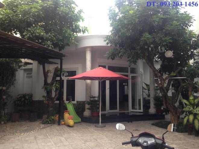 Bán biệt thự cao cấp hẻm xe hơi 6m đường Chu Văn An, P12, Bình Thạnh, Dt 10,5x29 1 lầu.