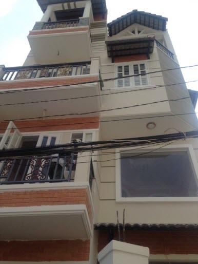 Bán Villas 3 mặt tiền hxh đng Lê Quang Định , P1 Gò vấp, Dt 6.3x13 n/h 8.2m. 1 T, 1 L, 2L, ST
