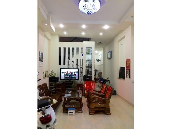 Bán nhà hẻm 6m đường Nguyễn Văn Đậu, P11, Bình Thạnh, Dt 4,2x18,n/h4.8m, 1 trệt  2,5 lầu