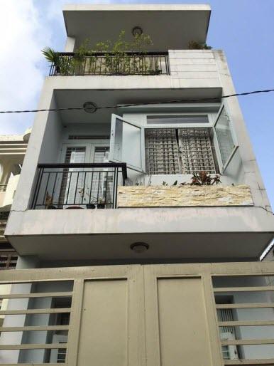 Bán nhà hẻm đường Lê Quang Định, P11, Bình Thạnh, Dt 3,9x14, đúc 1 trệt, 2 lầu, Sân thượng