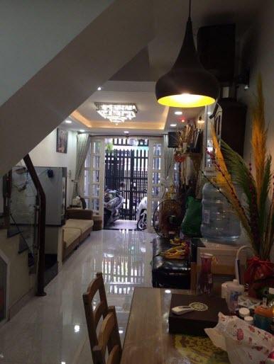 Bán nhà hẻm xe hơi đường Hoang Hoa Thám, P7, Bình Thạnh, 3x13, 1 trệt, 2 lầu.