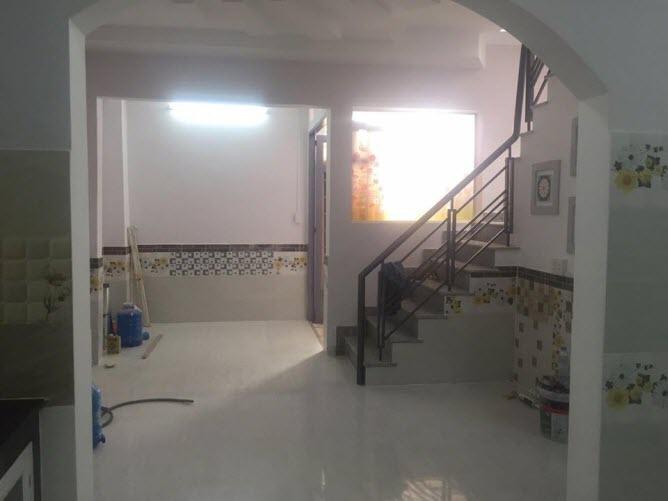 Bán nhà mới hẻm đường Phạm Văn Đồng, P13, Bình Thạnh, Dt 4,8x13,5. 1 trệt, 1 lầu, 4pn,5wc