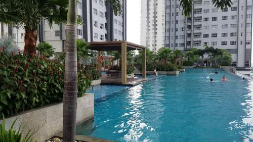 Sunrise City - Central Swimming pool